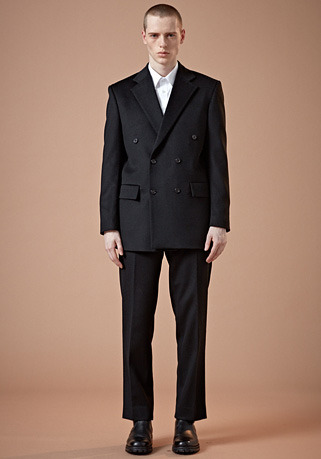 SEMI-OVER FIT BLACK DOUBLE SUIT(최고급 가을 겨울용 캐시미어20%+울80% 원단)(CASHMERE 20% + WOOL 80%)(ST-27)